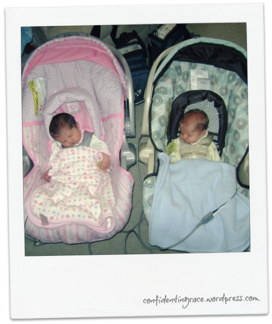 twins in carseats